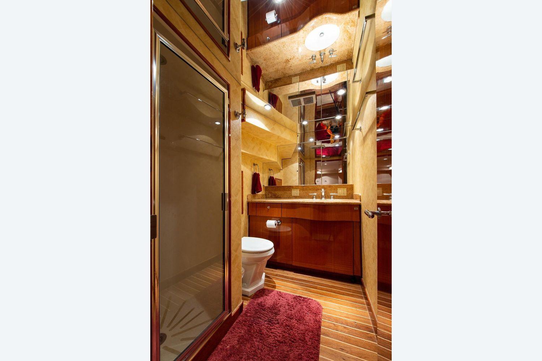 2008 Hatteras                                                              72 Motor Yacht Image Thumbnail #29