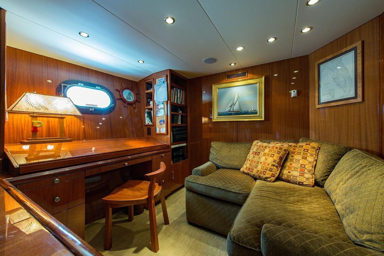 2008 Hatteras                                                              72 Motor Yacht Image Thumbnail #33