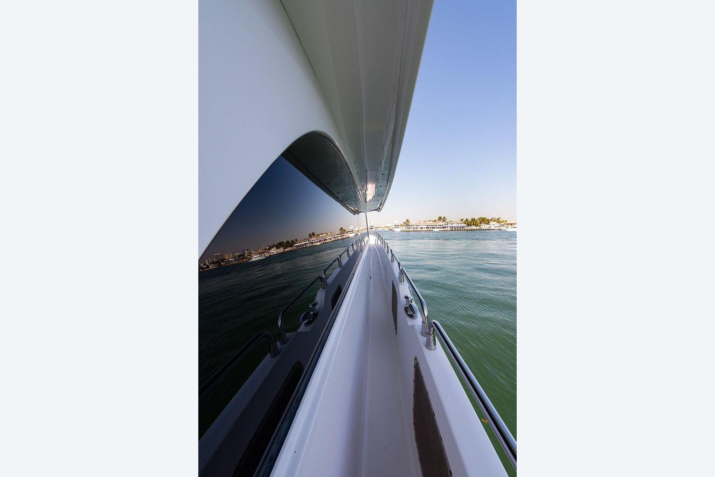 2008 Hatteras                                                              72 Motor Yacht Image Thumbnail #49