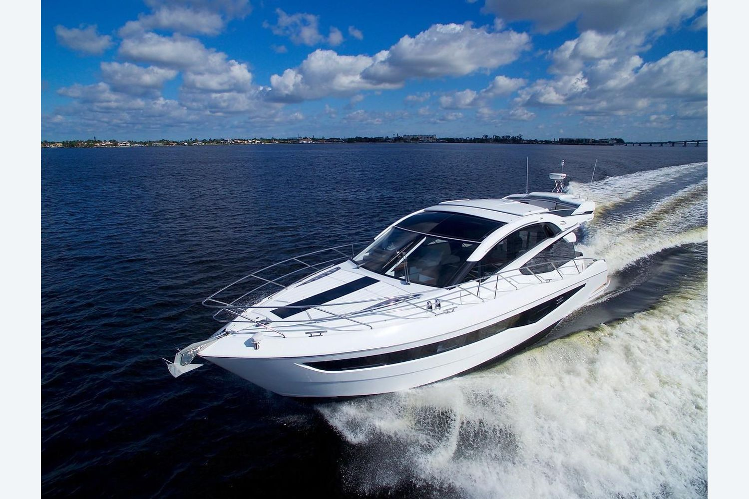 Photo 2 for 2022 Galeon 560 Sky
