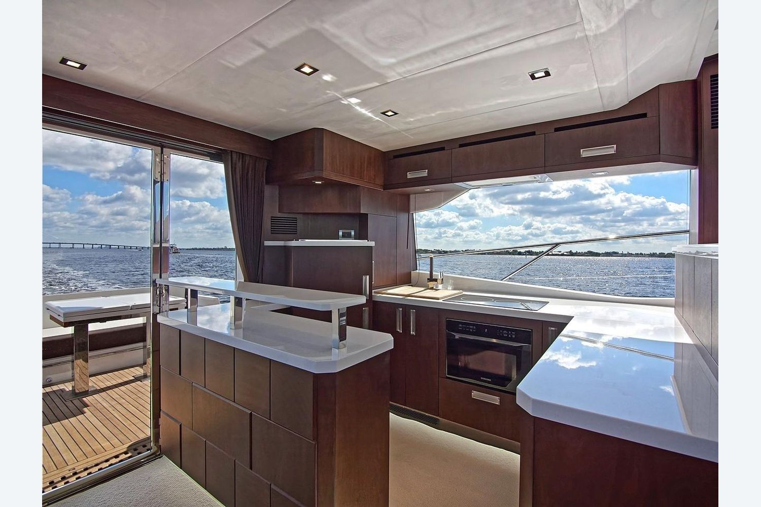 Photo 10 for 2022 Galeon 560 Sky