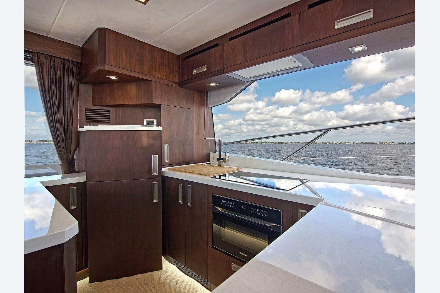 Photo 14 for 2022 Galeon 560 Sky