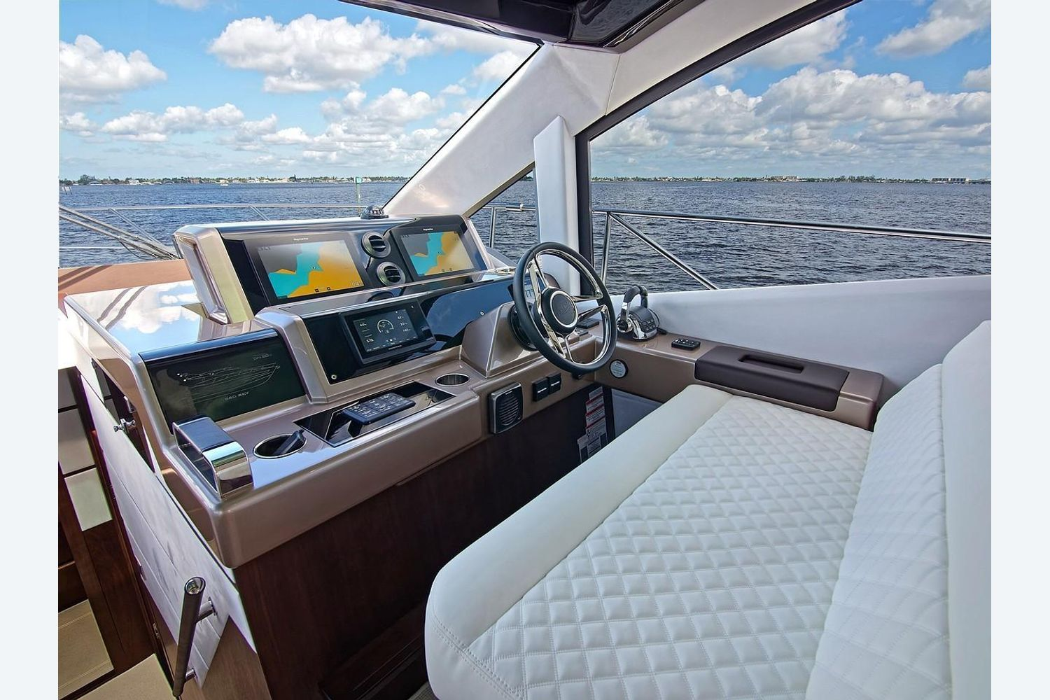 Photo 16 for 2022 Galeon 560 Sky