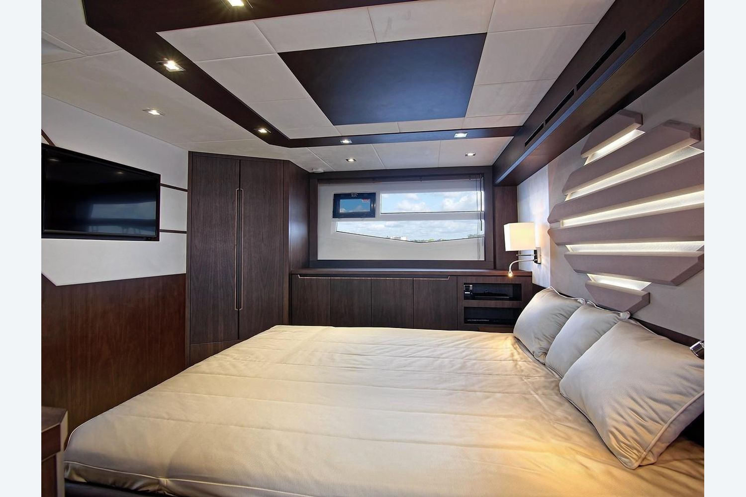 Photo 32 for 2022 Galeon 560 Sky