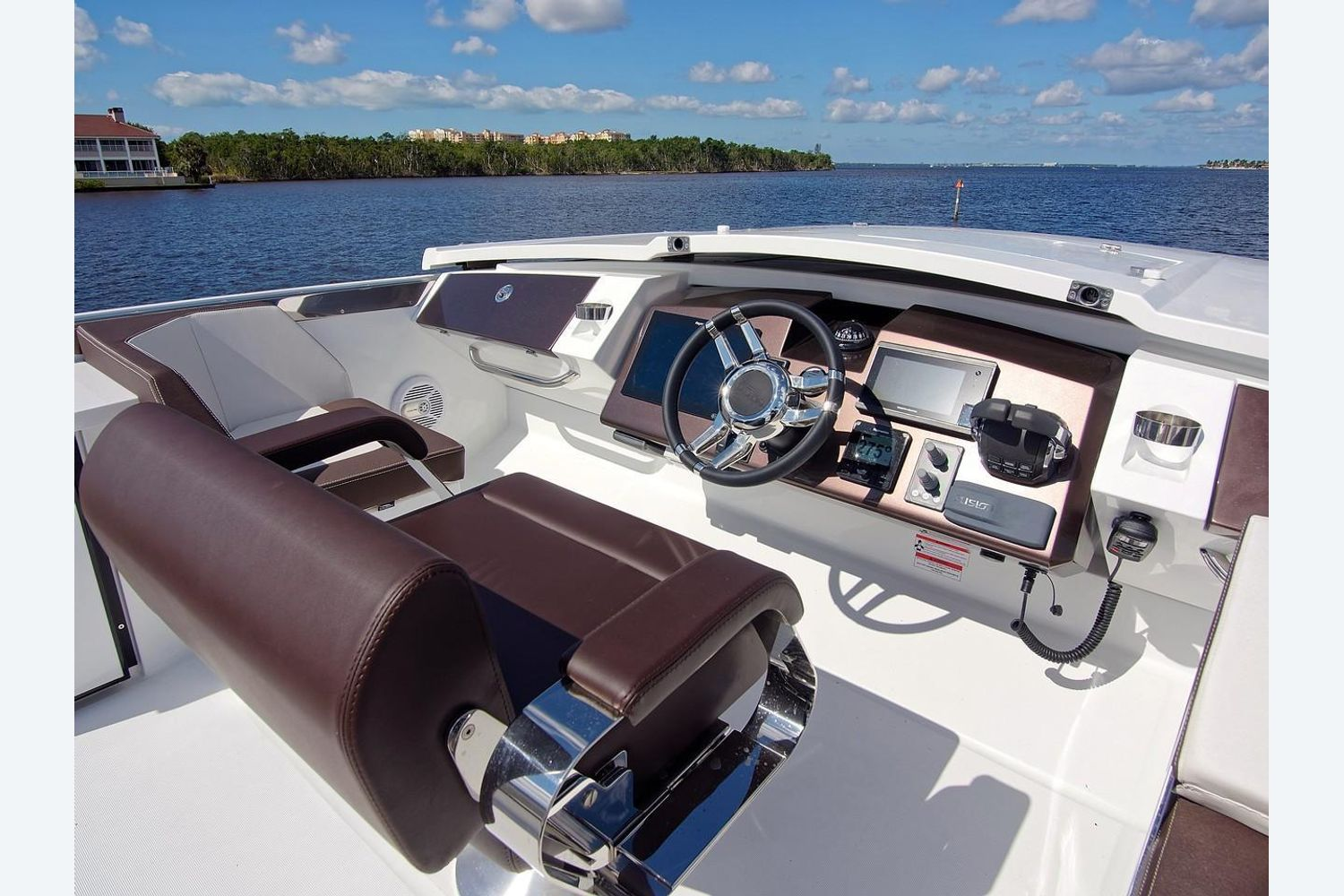 Photo 23 for 2022 Galeon 560 Sky