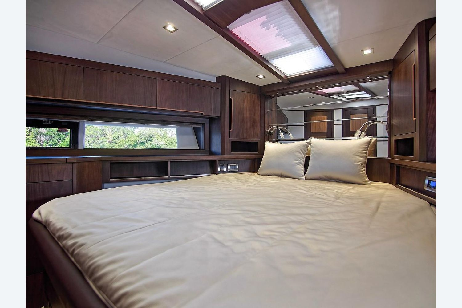 Photo 38 for 2022 Galeon 560 Sky
