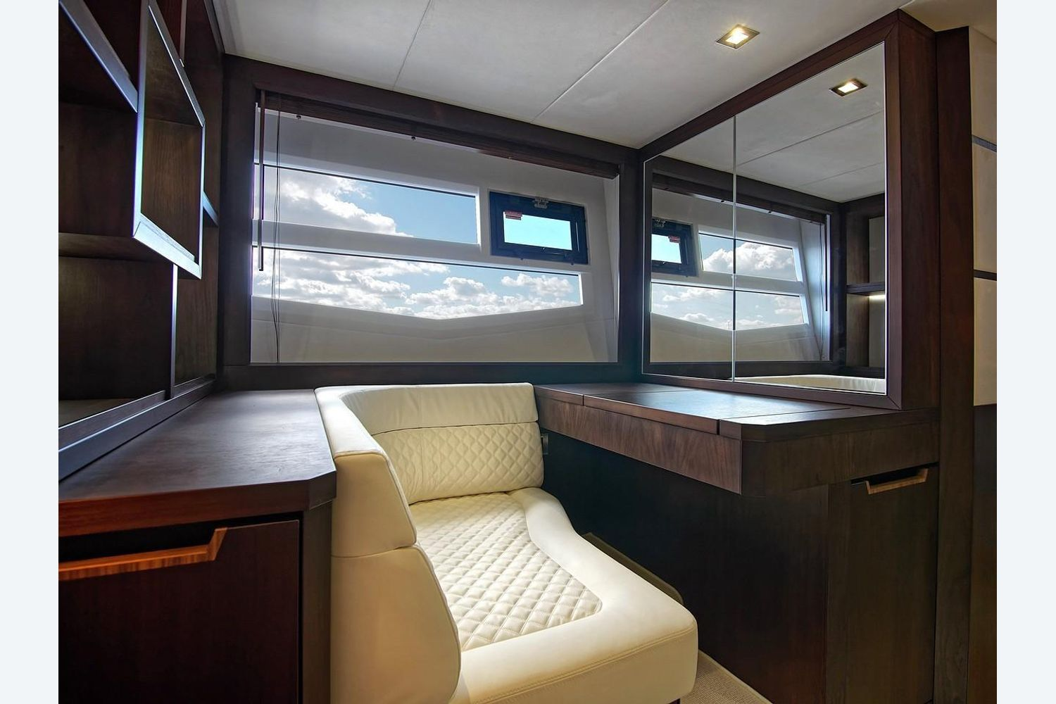 Photo 33 for 2022 Galeon 560 Sky