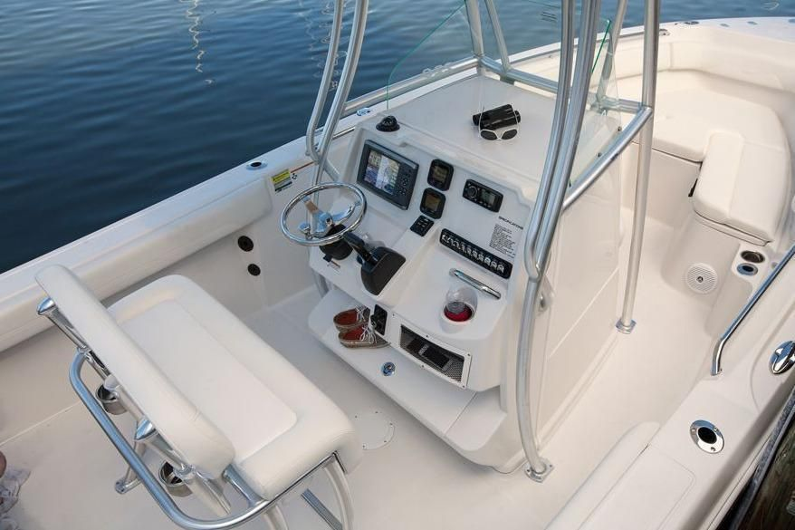 2022 Sailfish                                                              220 Center Console Image Thumbnail #14