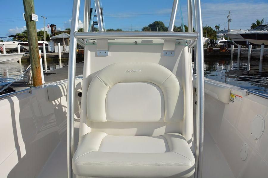 2022 Sailfish                                                              220 Center Console Image Thumbnail #12