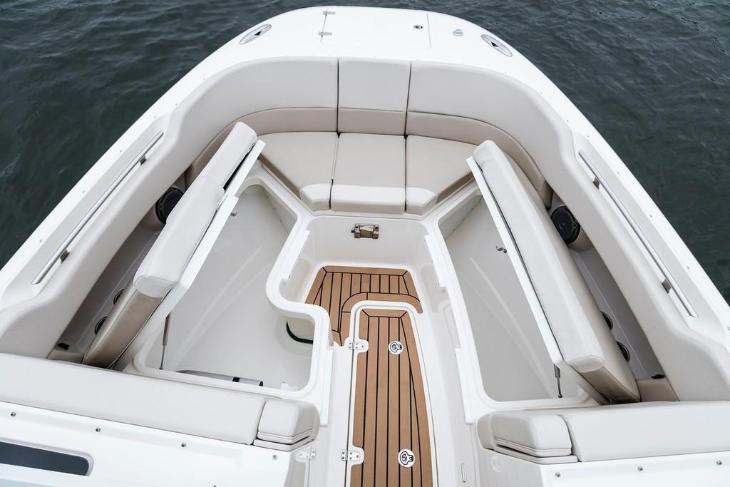 2022 Boston Whaler                                                              320 Vantage Image Thumbnail #9