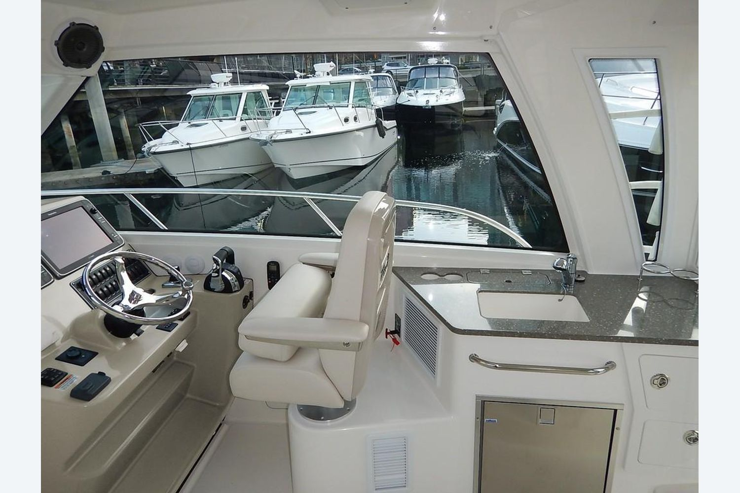 2022 Boston Whaler                                                              345 Conquest Pilothouse Image Thumbnail #7