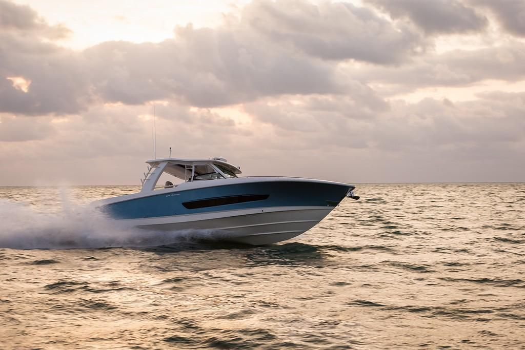 Photo 18 for 2022 Boston Whaler 420 Outrage