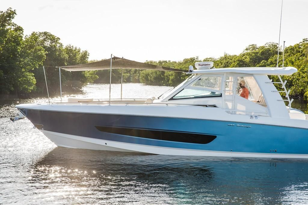 Photo 24 for 2022 Boston Whaler 420 Outrage