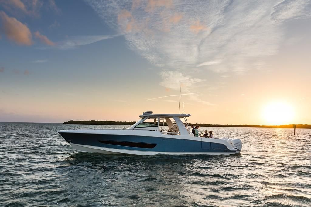 Photo 14 for 2022 Boston Whaler 420 Outrage