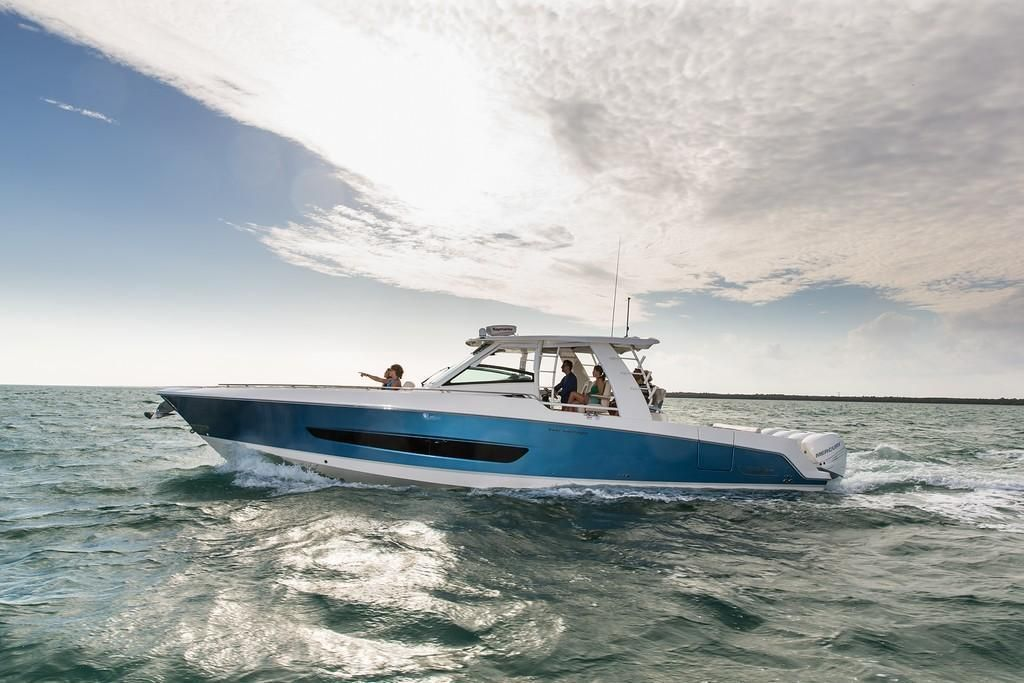 Photo 33 for 2022 Boston Whaler 420 Outrage