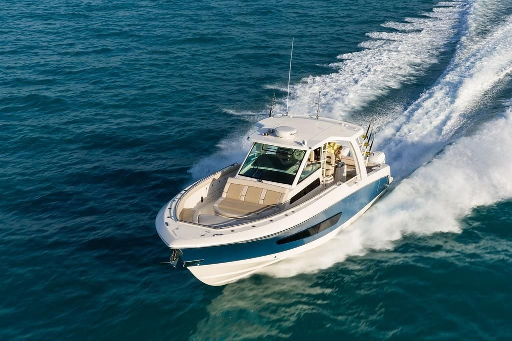 Photo 36 for 2022 Boston Whaler 420 Outrage