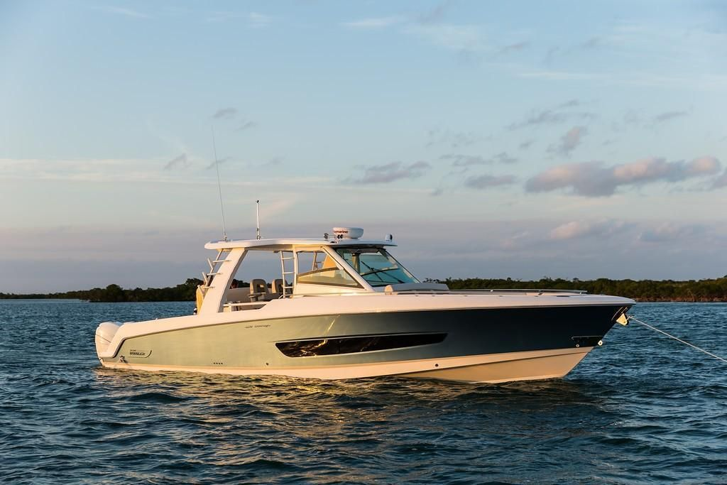 Photo 28 for 2022 Boston Whaler 420 Outrage