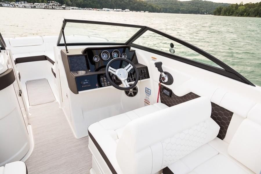 2022 Sea Ray                                                              SDX 270 Outboard Image Thumbnail #4