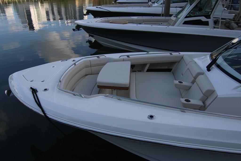 Photo 13 for 2022 Boston Whaler 350 Realm