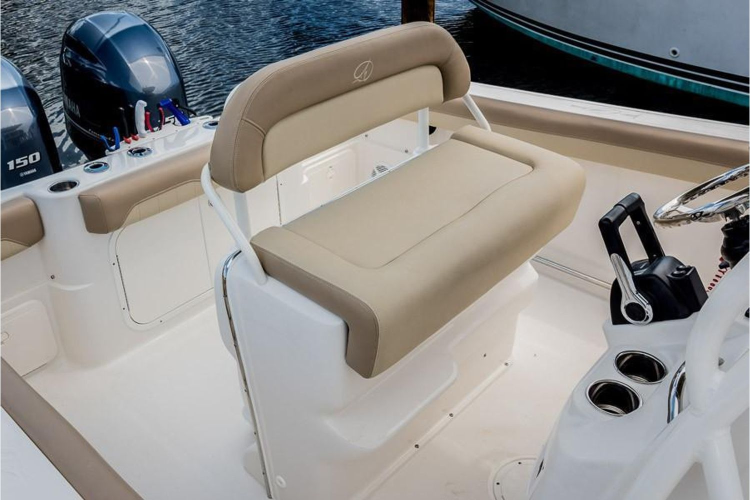 2022 Sailfish                                                              242 CENTER CONSOLE Image Thumbnail #17