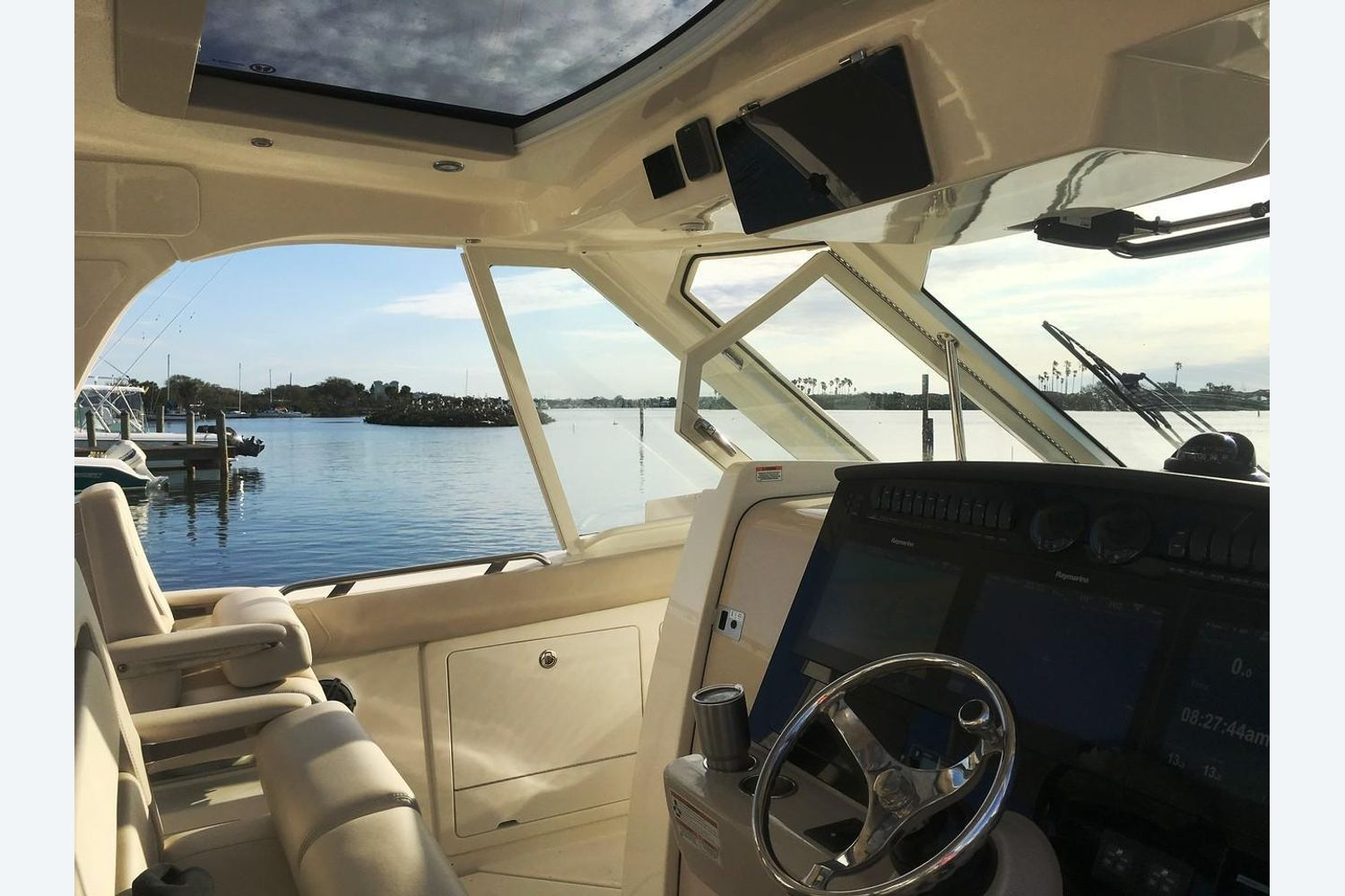 2022 Boston Whaler                                                              380 Realm Image Thumbnail #9