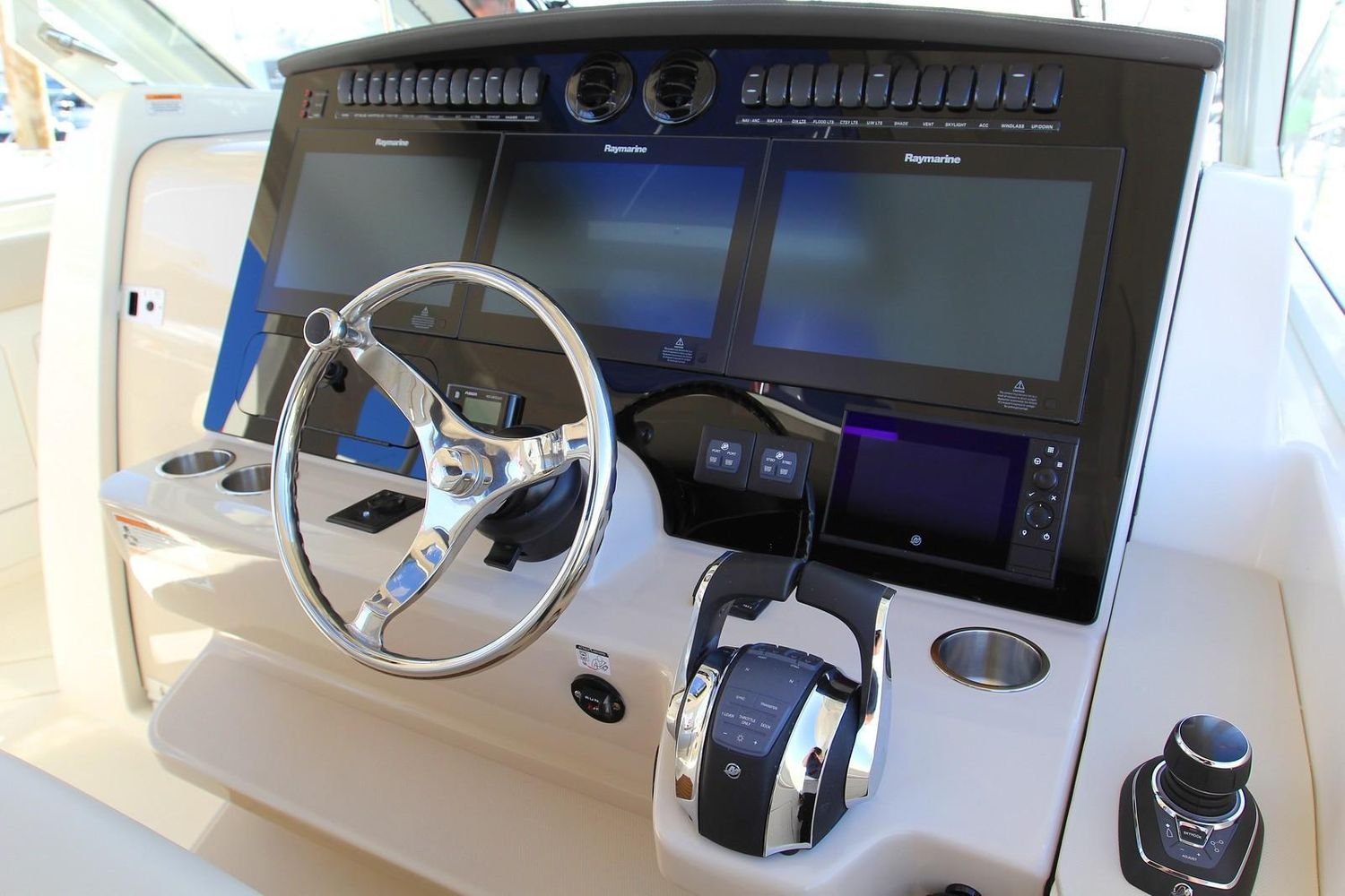 2022 Boston Whaler                                                              380 Realm Image Thumbnail #12