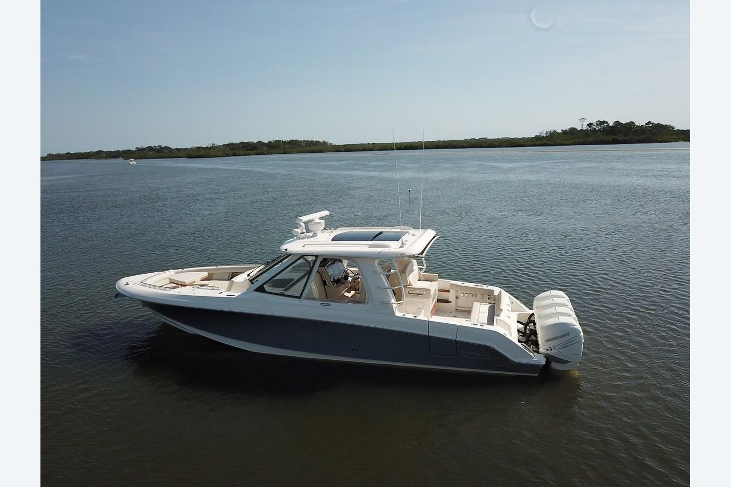 2022 Boston Whaler                                                              380 Realm Image Thumbnail #4