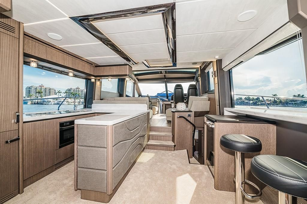 Photo 63 for 2021 Galeon 680 Fly