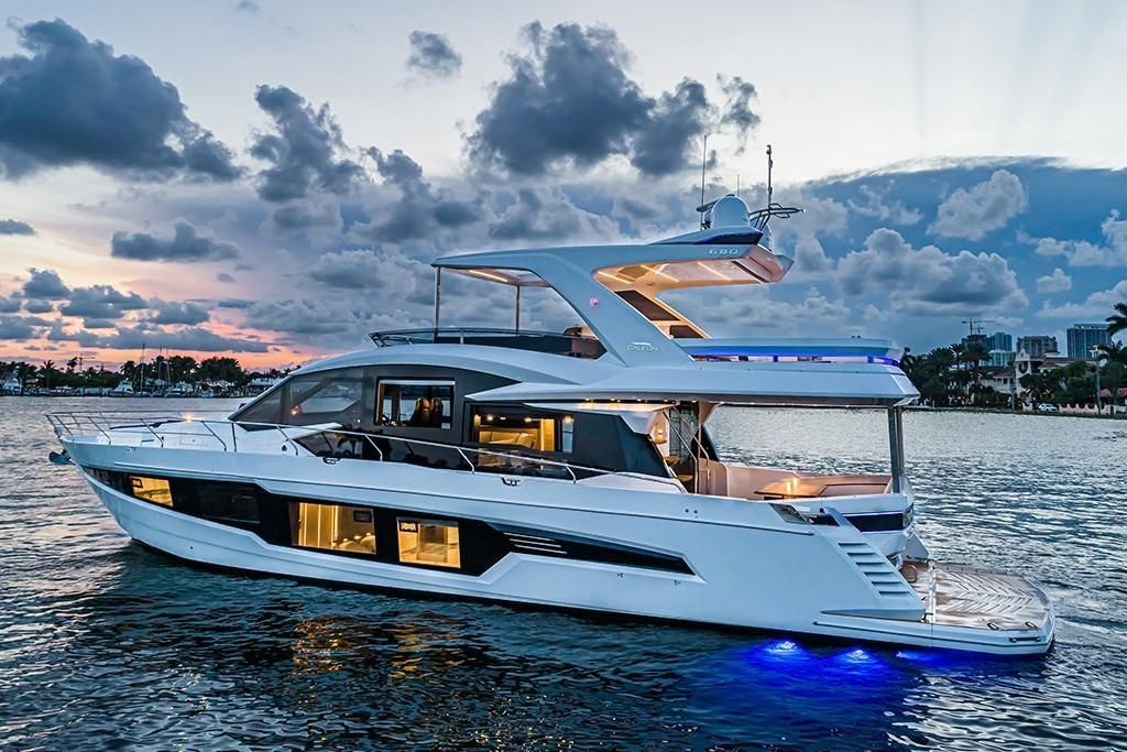 Thumbnail 4 for 2021 Galeon 680 Fly