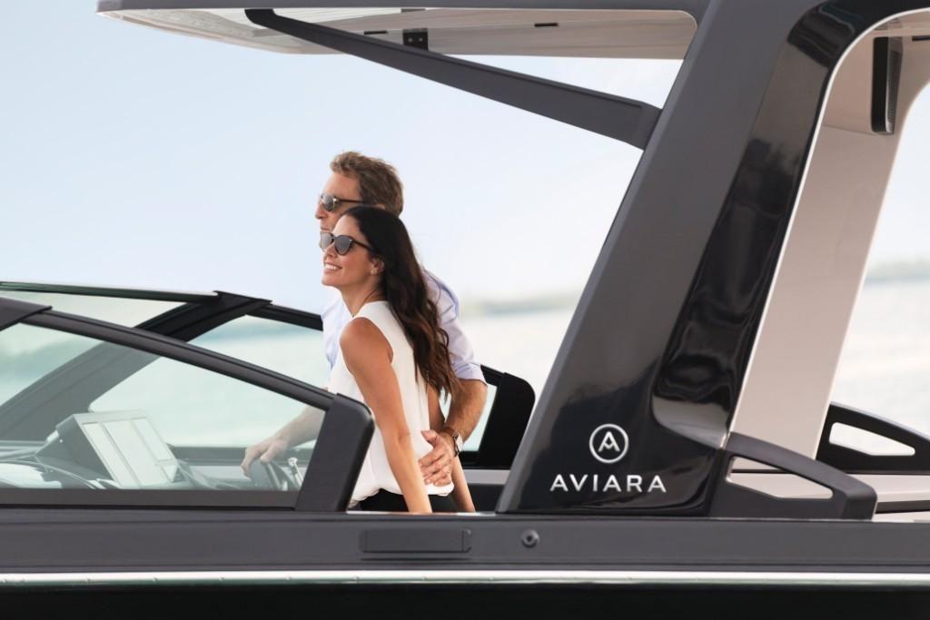 2022 Aviara                                                              AV32 Outboard Image Thumbnail #2