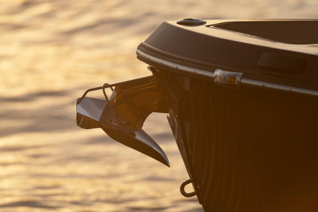 2022 Aviara                                                              AV32 Outboard Image Thumbnail #7