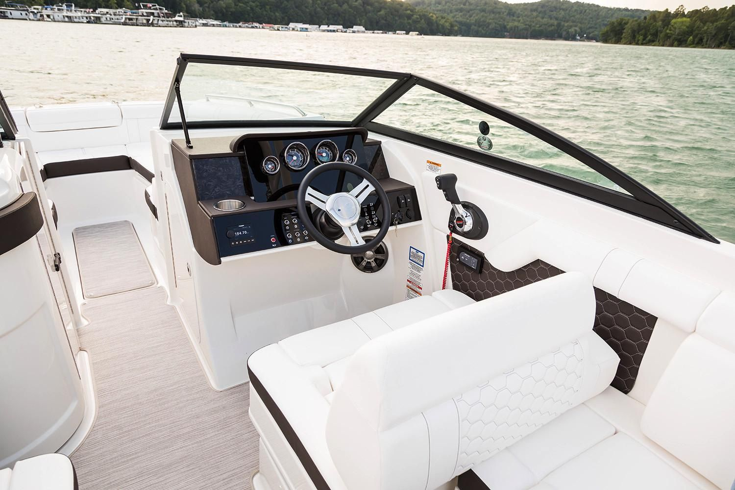 2020 Sea Ray                                                              SDX 270 Outboard Image Thumbnail #5