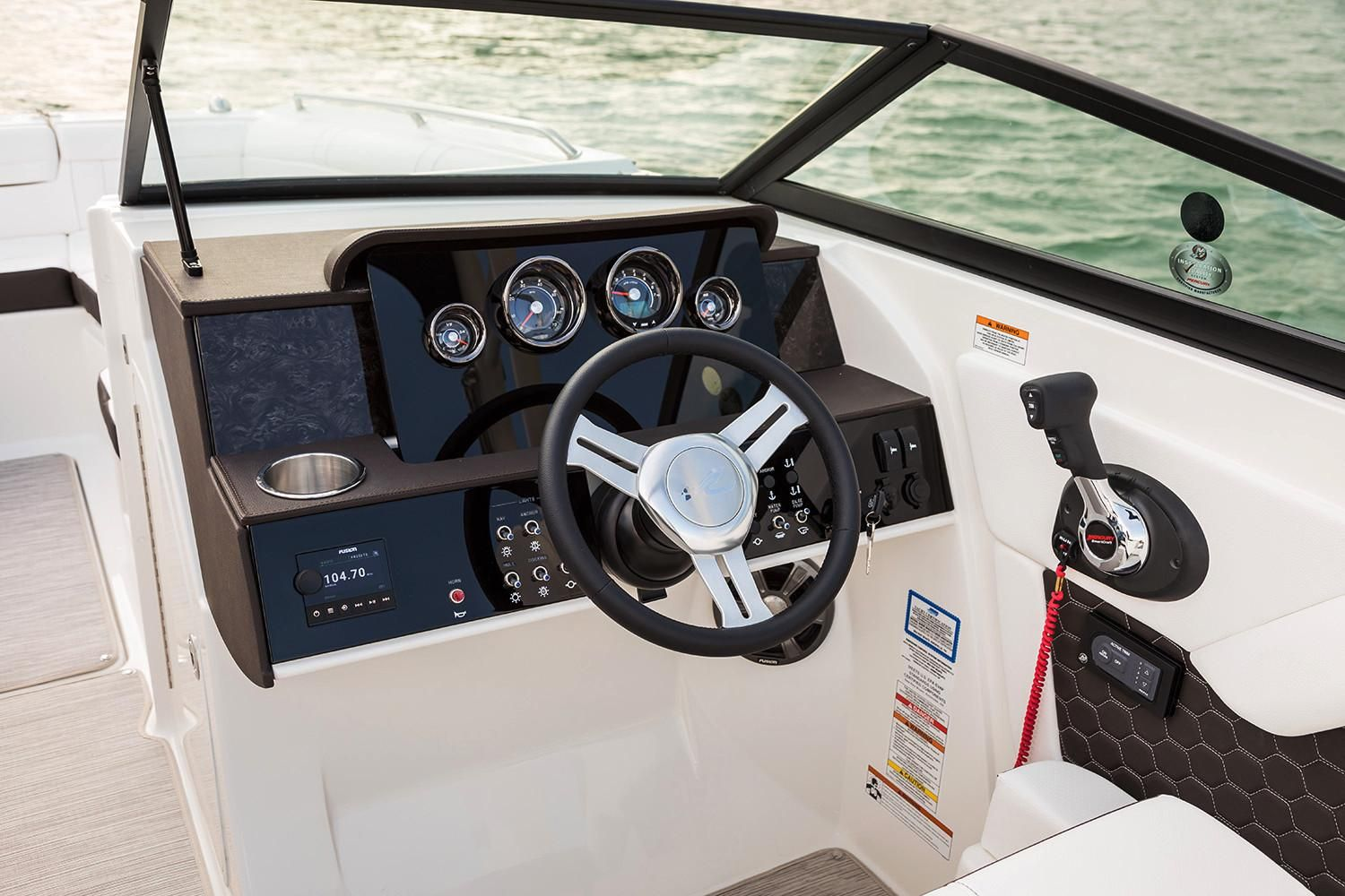 2020 Sea Ray                                                              SDX 270 Outboard Image Thumbnail #6