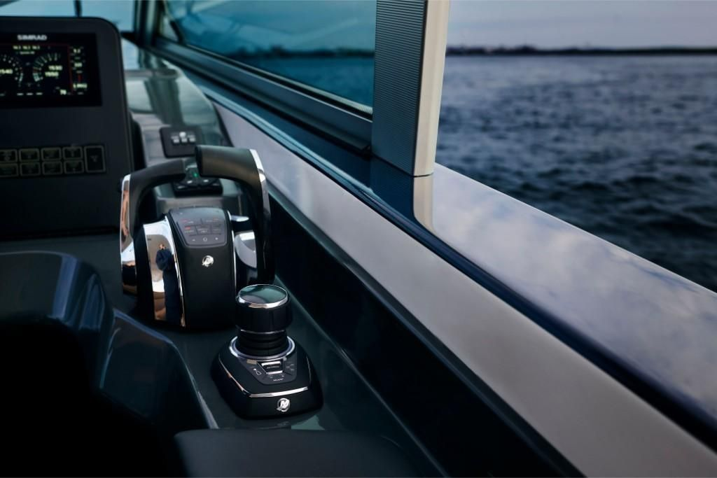 2022 Aviara                                                              AV36 Outboard Image Thumbnail #6