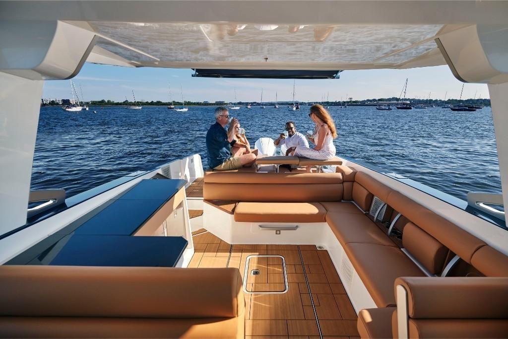 2022 Aviara                                                              AV36 Outboard Image Thumbnail #3