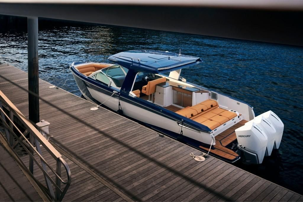 2022 Aviara                                                              AV36 Outboard Image Thumbnail #2