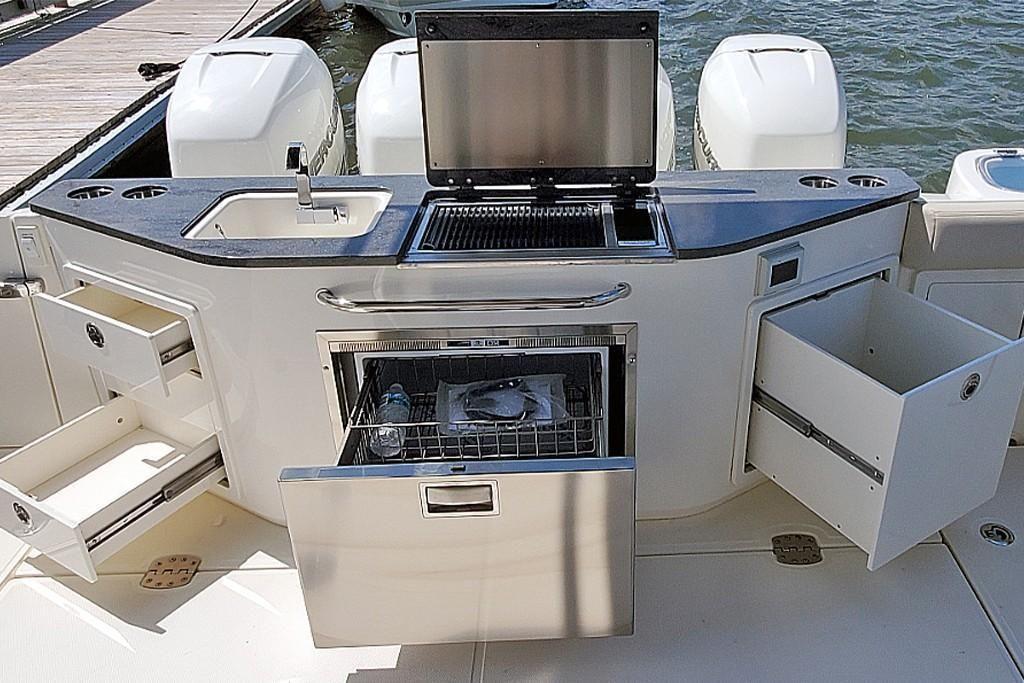 2022 Boston Whaler                                                              405 Conquest Image Thumbnail #6