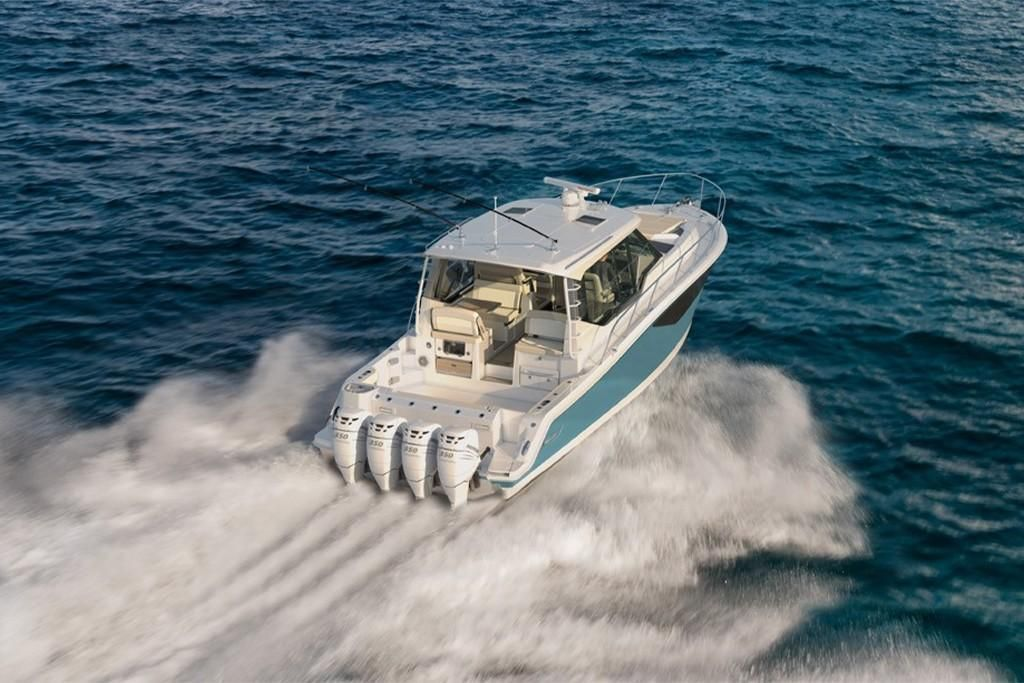 Photo 5 for 2022 Boston Whaler 405 Conquest