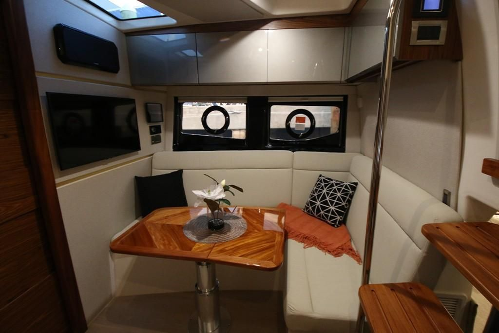 Photo 12 for 2022 Boston Whaler 405 Conquest