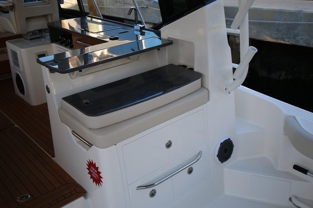 2022 Boston Whaler                                                              405 Conquest Image Thumbnail #15