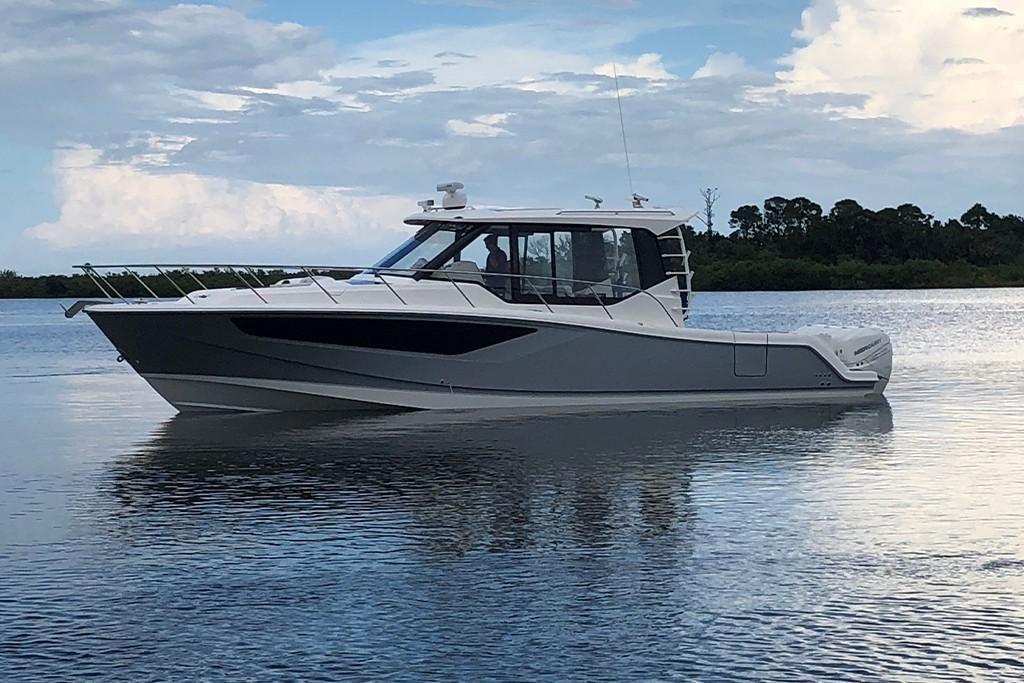 2022 Boston Whaler                                                              405 Conquest Image Thumbnail #0