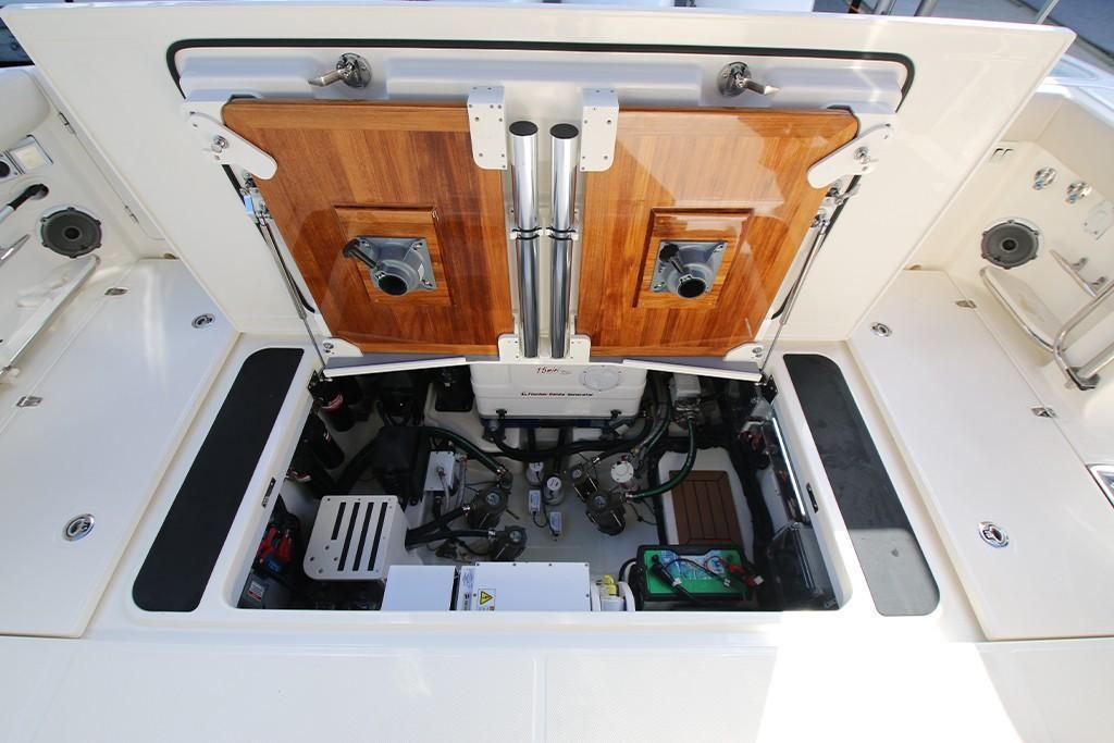 Photo 29 for 2022 Boston Whaler 405 Conquest