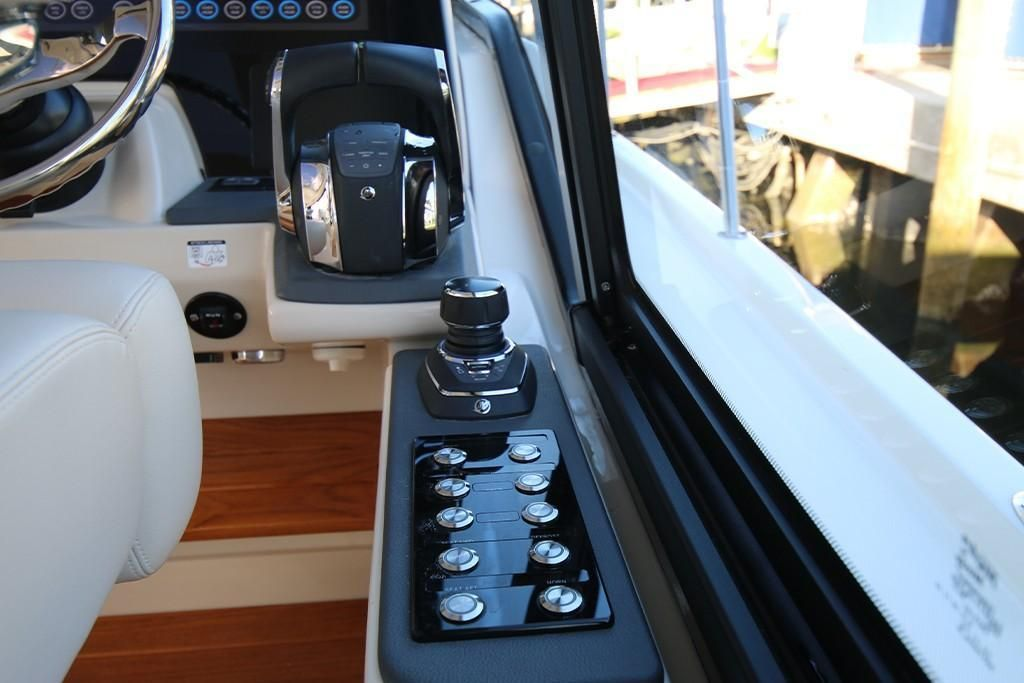 Photo 30 for 2022 Boston Whaler 405 Conquest