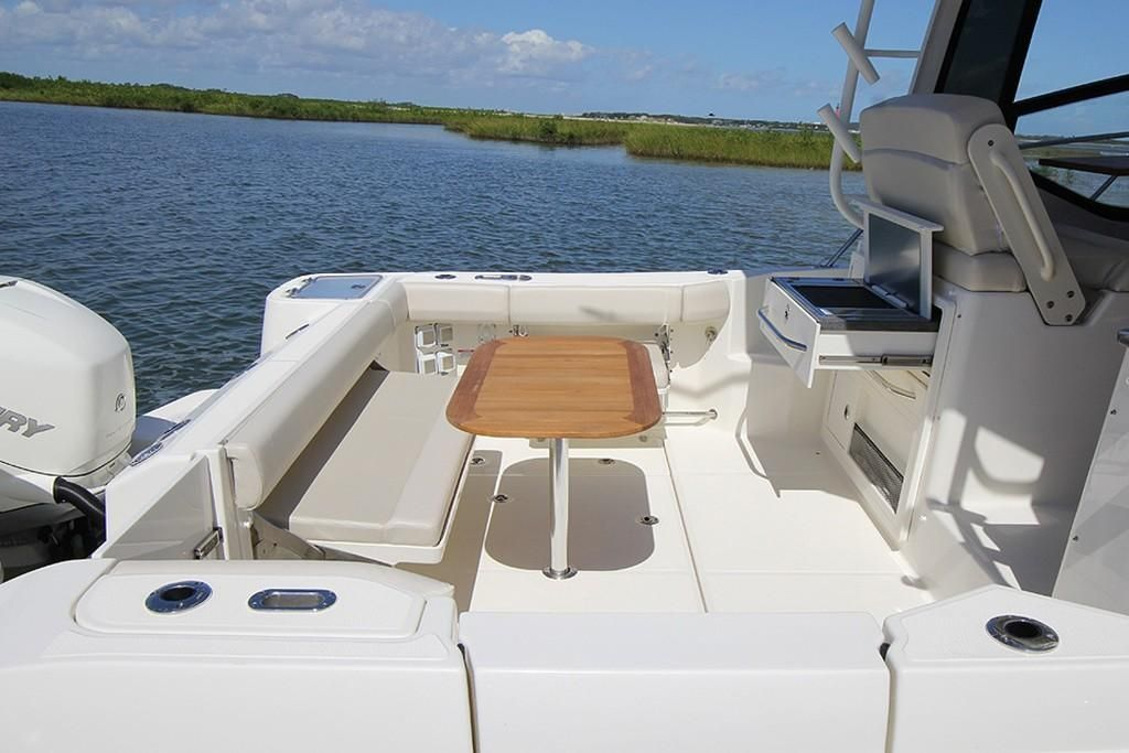 2022 Boston Whaler                                                              325 Conquest Image Thumbnail #4