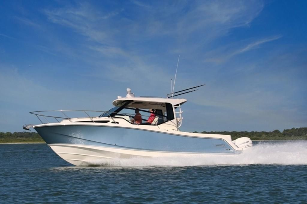 2022 Boston Whaler 325 Conquest Image Thumbnail #0