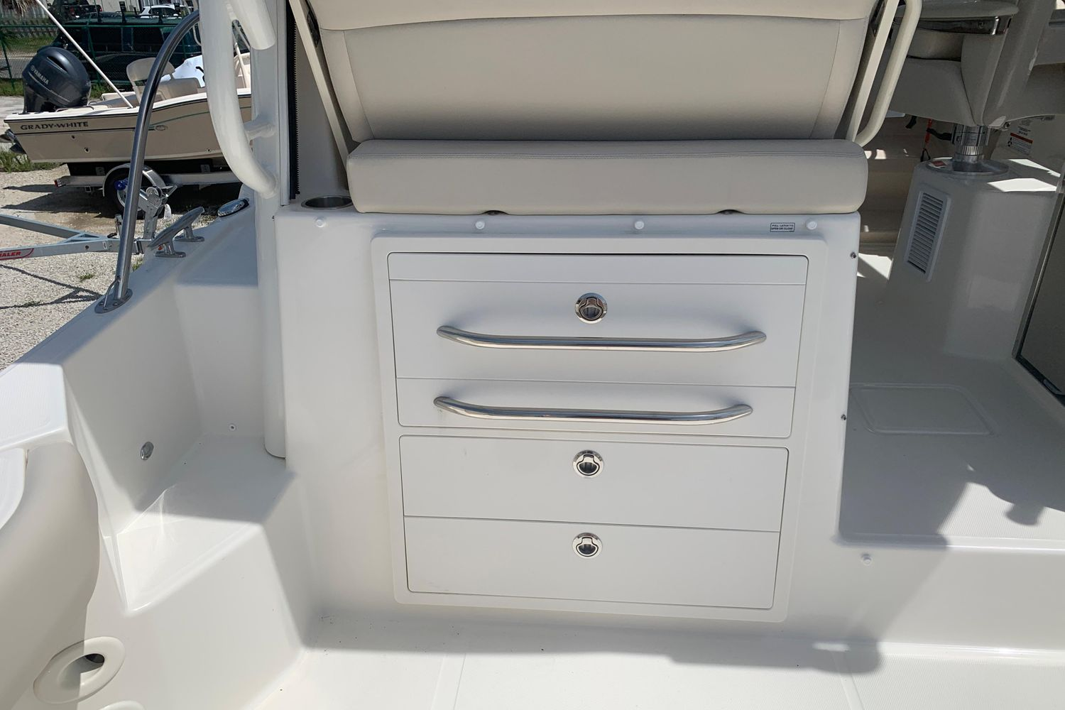 Photo 5 for 2021 Boston Whaler 325 Conquest
