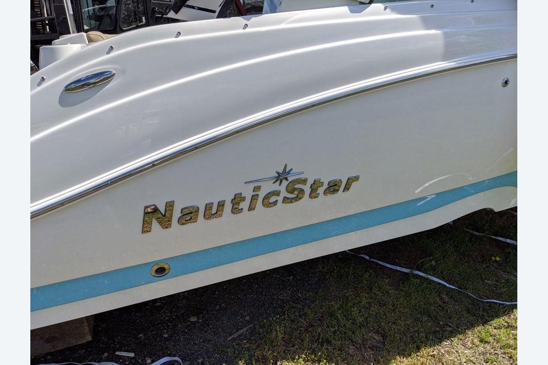 2020 NauticStar                                                              243 DC Sport Deck Image Thumbnail #0
