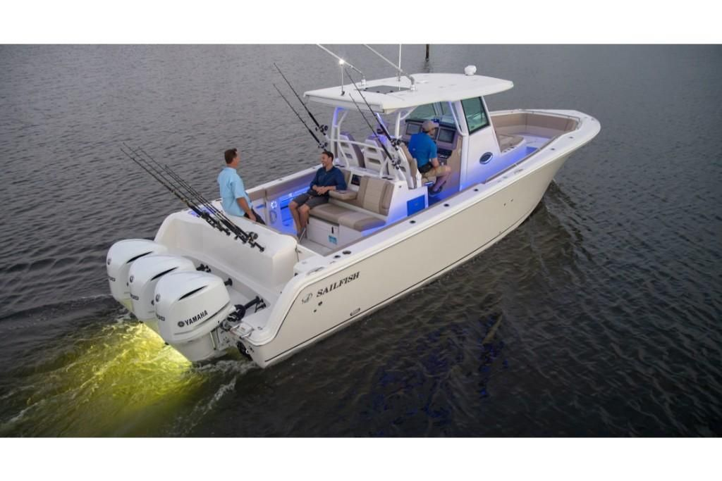 2021 Sailfish 360 Center Console