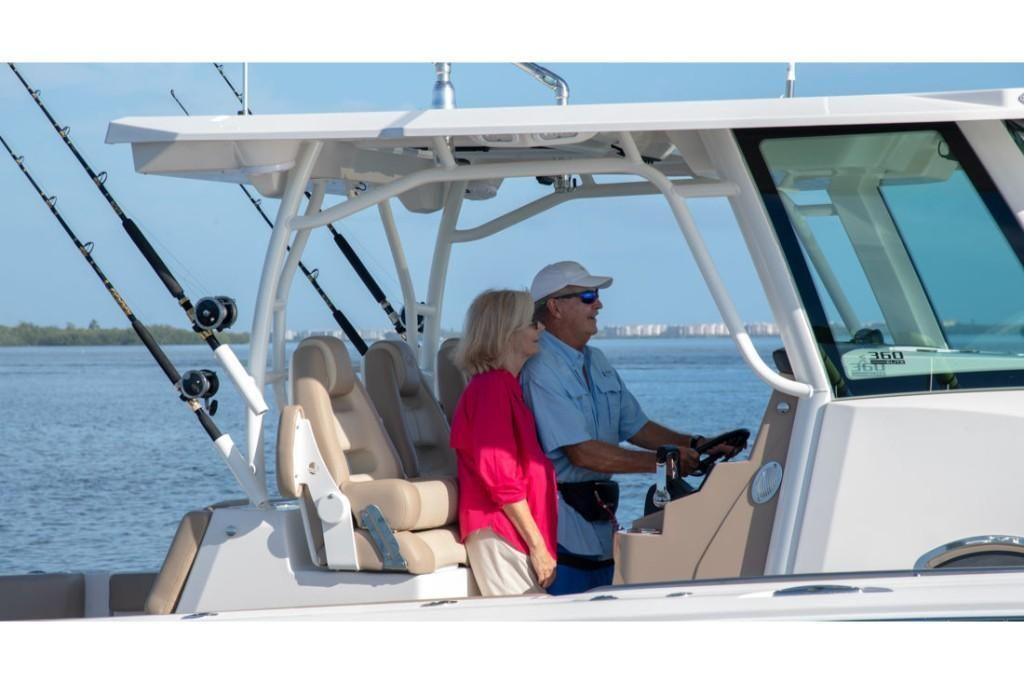 2022 Sailfish                                                              360 Center Console Image Thumbnail #28