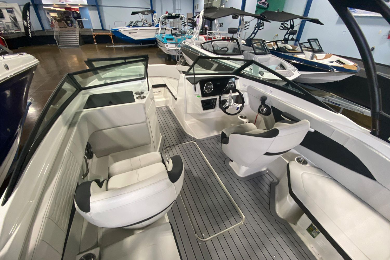 2021 Sea Ray                                                              SPX 210 OB Image Thumbnail #5